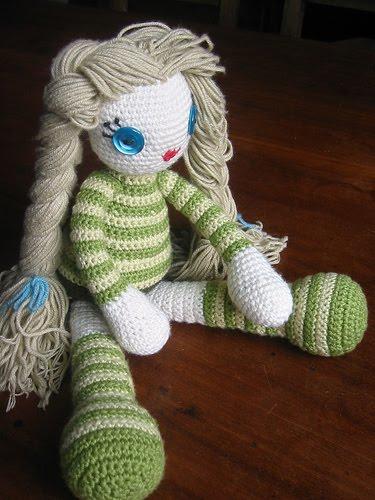2000 Free Amigurumi Patterns: Interchangeable doll hair | Crochet ... | 500x375