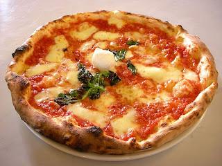 Cara Membuat Resep Kue Basah Terbaru Neapolitan Pizza Italia dan Gambarnya 2017