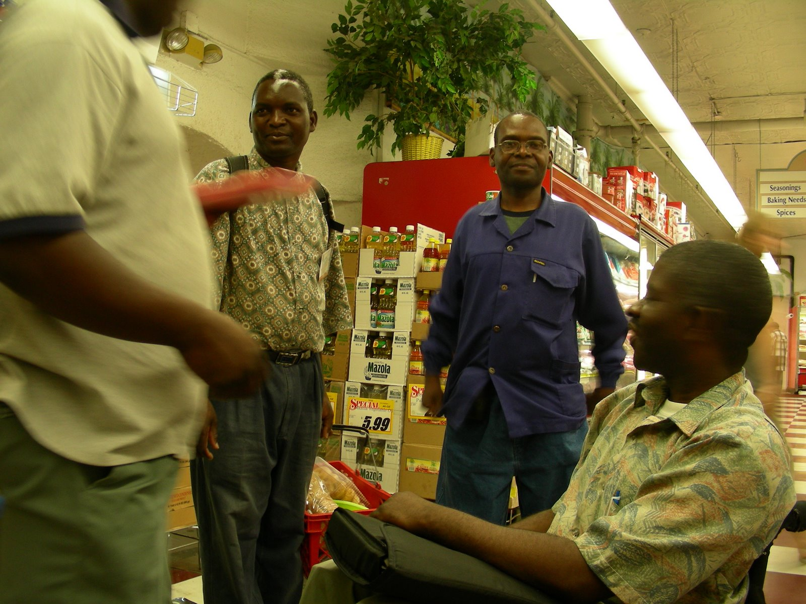 [Zambians+buying+some+traditional+food]