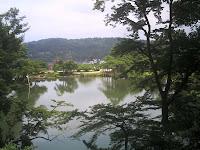 霞ヶ池より卯辰山を見る