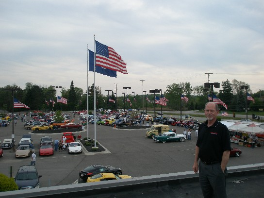Cruisin  MI A sure sign that good weather is here was demonstrated tonight at Golling  Buick GMC  Lake Orion With the turnout of over 150 car enthusiast for one  of the