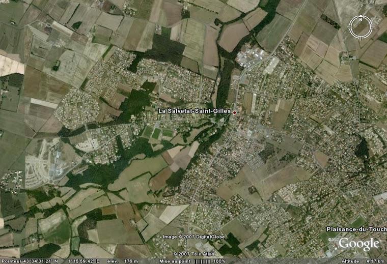 Une vue aérienne de La Salvetat Saint Gilles