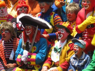 1.2-group+of+clowns+close+up.jpg