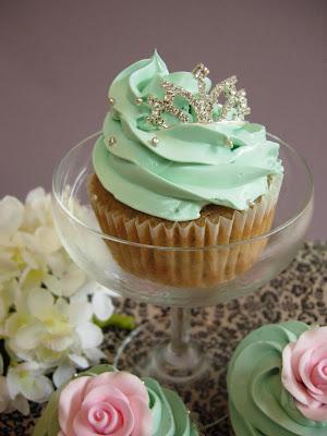TiffanysTiara Cupcake