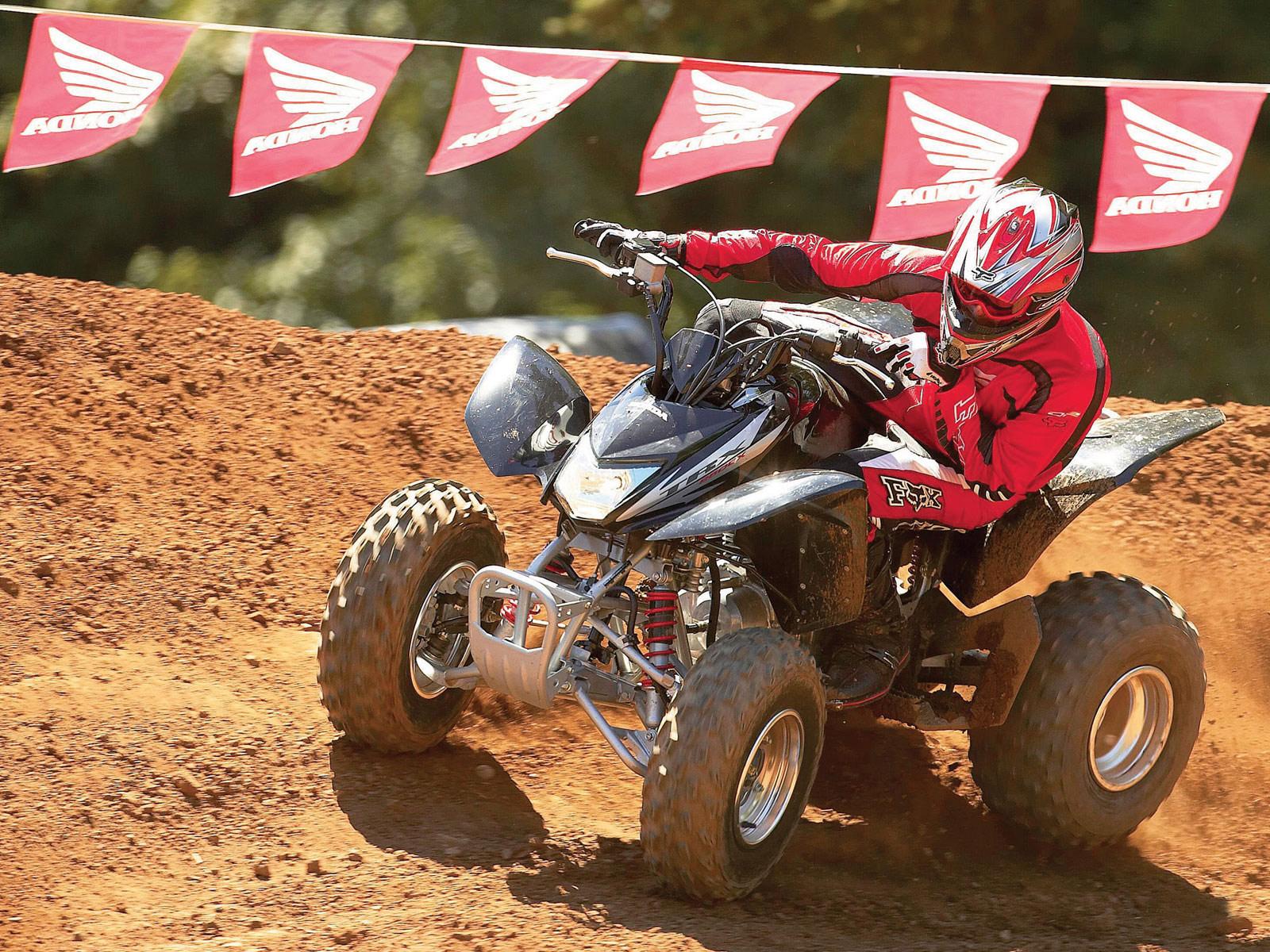 tenue quad first racing
