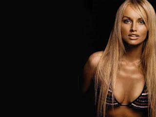 Adriana Sklenarikova sexy wallpapaers