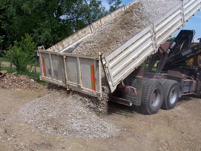 camion benne gravier