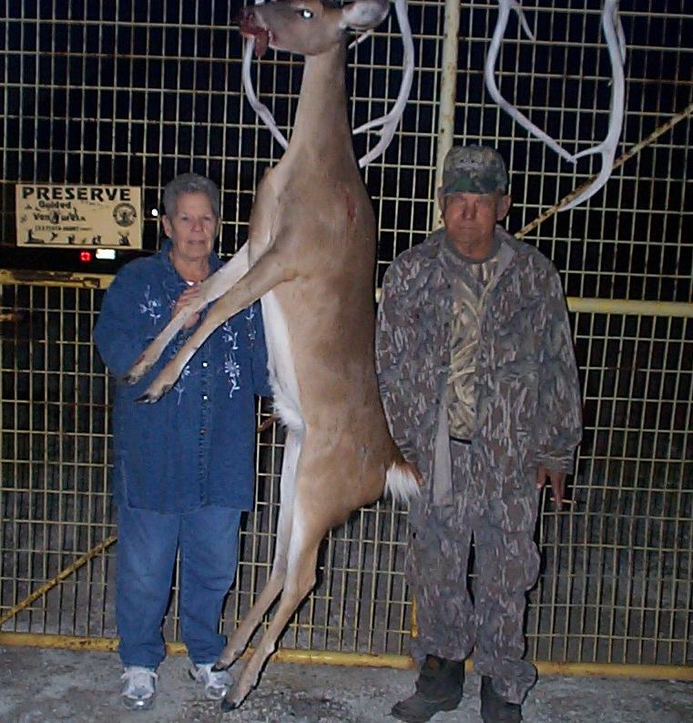 [Mrs. Pats first Doe Deer (337)515-HUNT(4868) Avec Moi Charli]