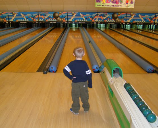 Blue Skies Of Texas >> Lone Stars and Stripes: candlepin bowling