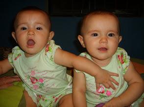 EMILIA Y RENATA