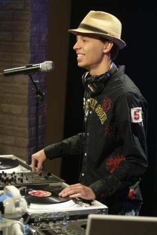 [DJ+Keebz.jpg]