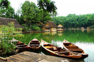 7 9 Tempat Wisata Paling Indah di Indonesia