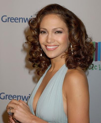 best celebrity hairstyles Jennifer Lopez brown short wavy hairstyle