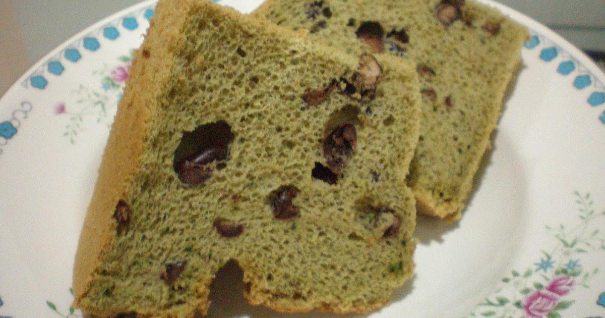 Green Tea Chiffon Cake With Red Bean