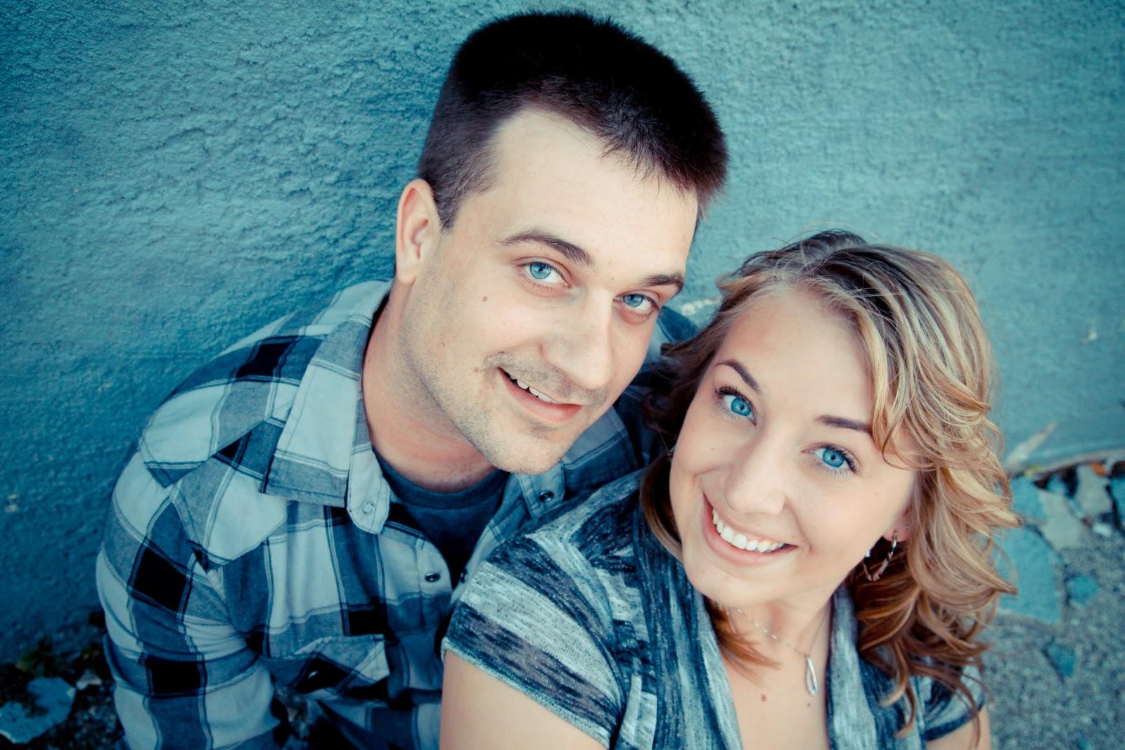 http://1.bp.blogspot.com/_aBkWiTUIh0E/TNmsw2WUvZI/AAAAAAAAB0E/suANhq1fOFw/s1600/Happy+Couples+Blog+%25286%2529.jpg