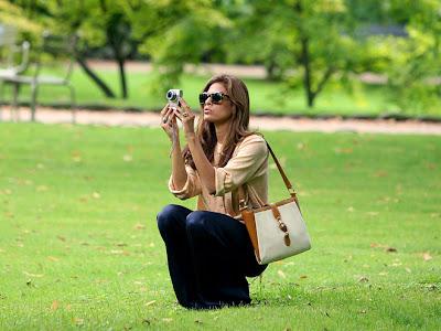 Eva Mendes - Chic in Paris