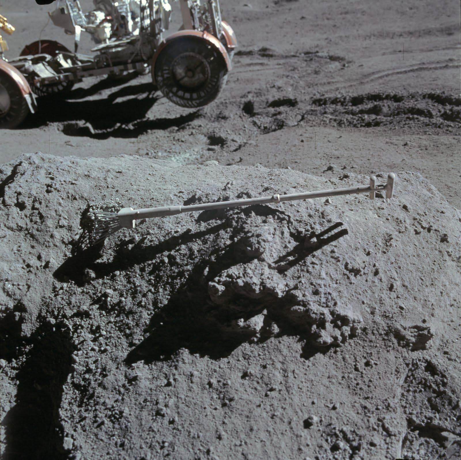apollo tracks on moon - photo #31