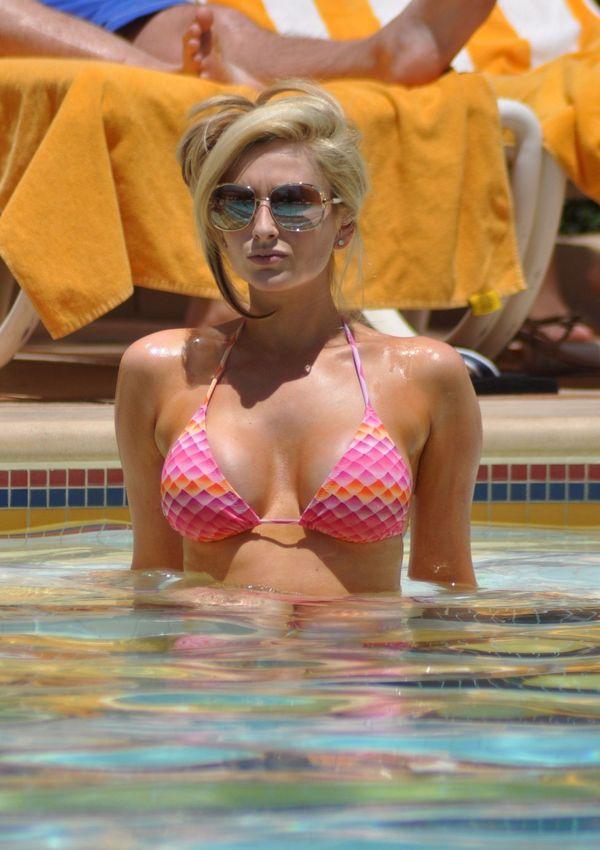 Bikini Hollywood Blog: Model Celebrity Actress Gemma Merna Bikini candids Las Vegas: BIKINI BLOG ...