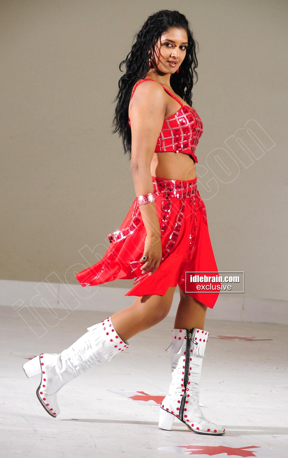 Slicypics Indian Actress Tamanna Bhatia Photos: HOT INDIAN ACTRESS BLOG: Masala Hot Telugu Movie Actress