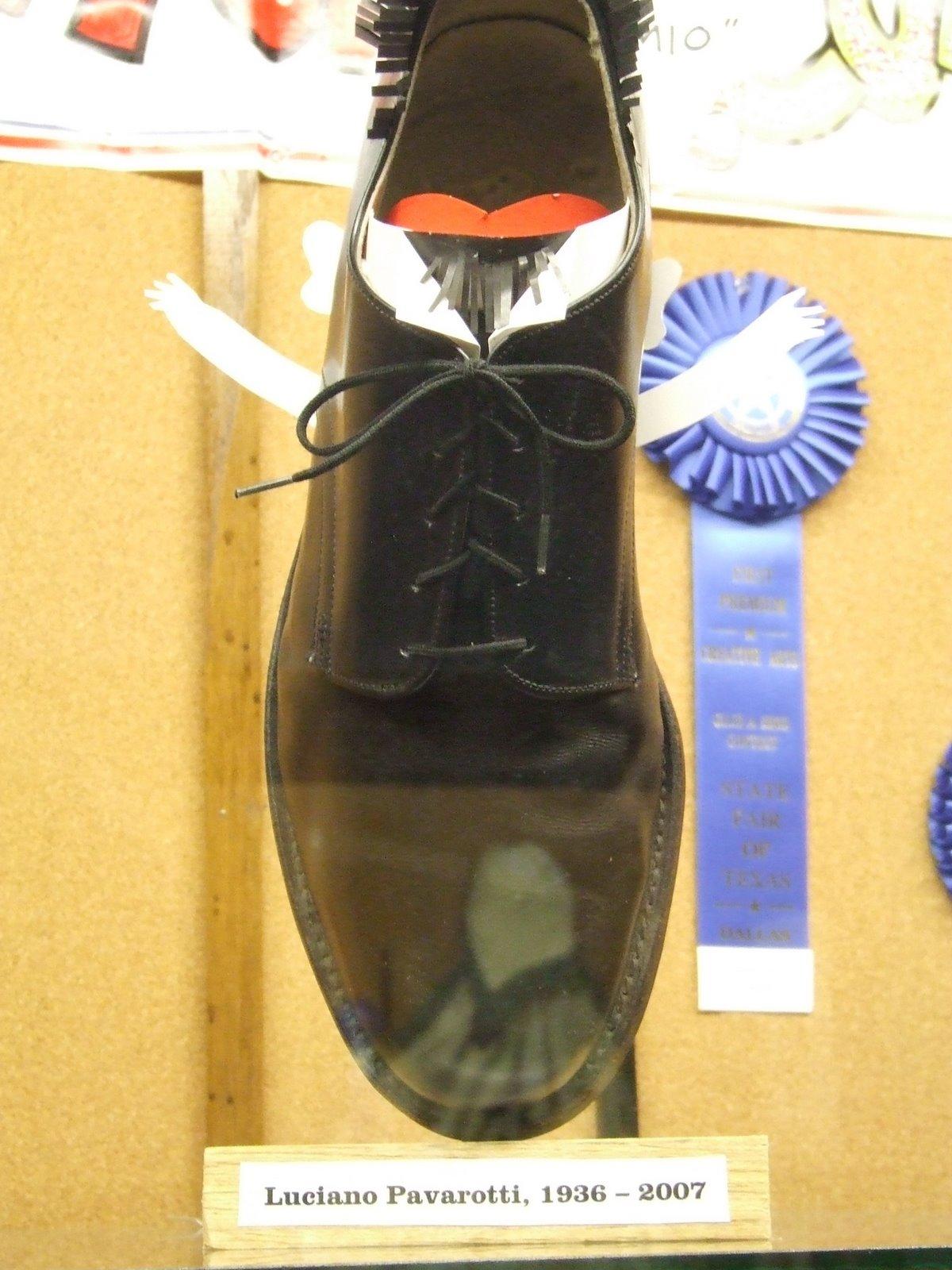 [State+Fair+009.jpg+glue+shoes.jpg]