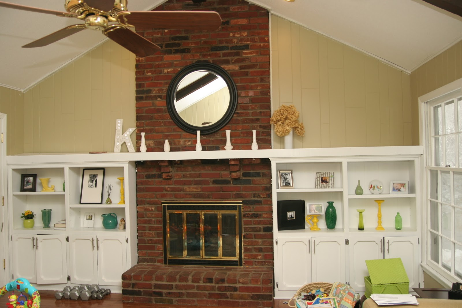 Remodelaholic dramatic results of a white painted brick fireplace - How we paint your room ...