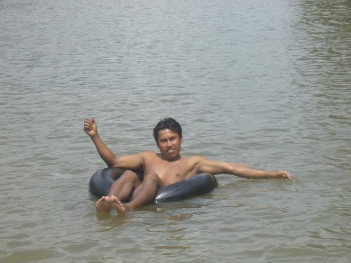 Boyas en el Río Arajuno