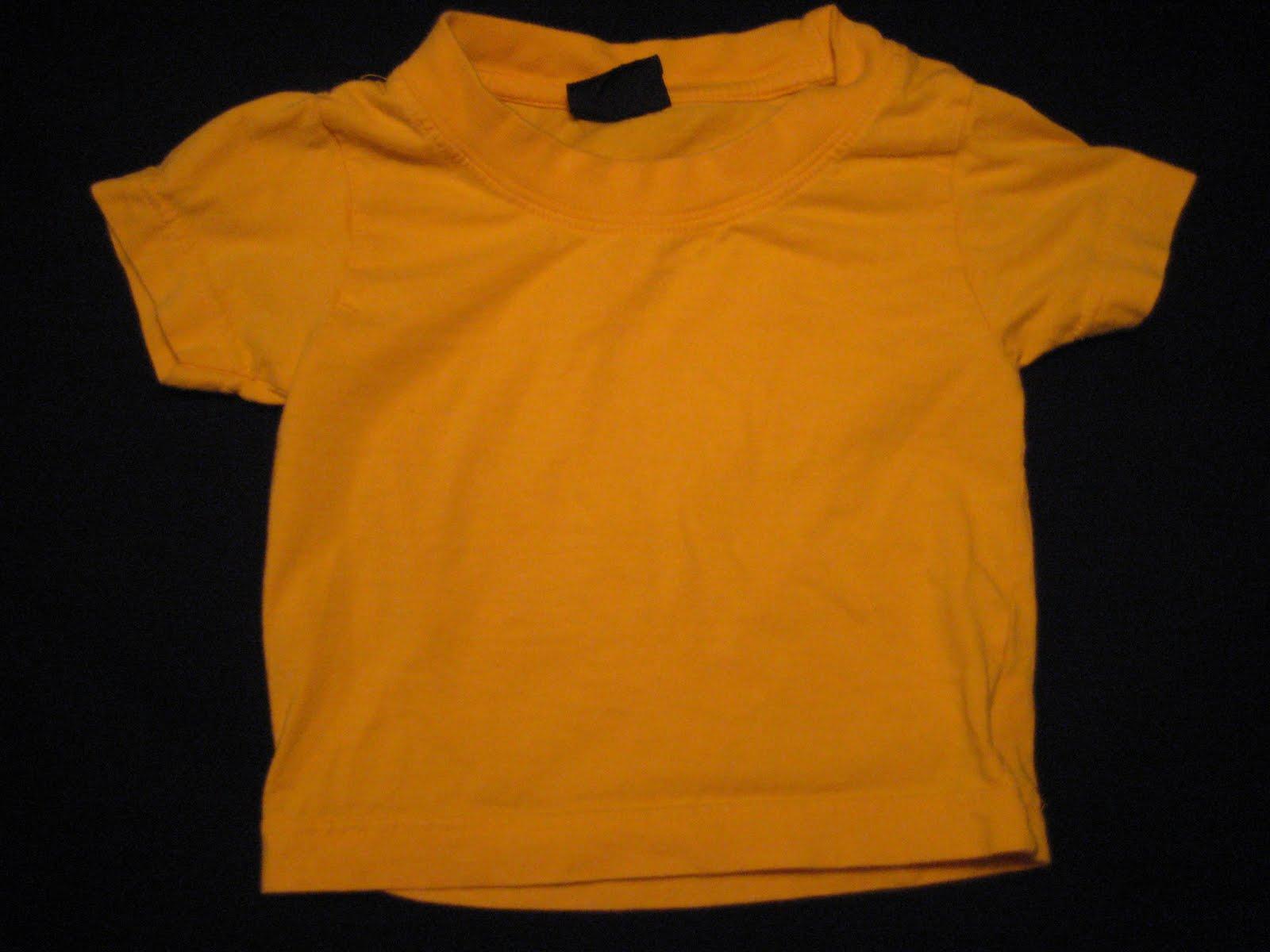 bd84fac2 Gul t-shirt i storlek 60