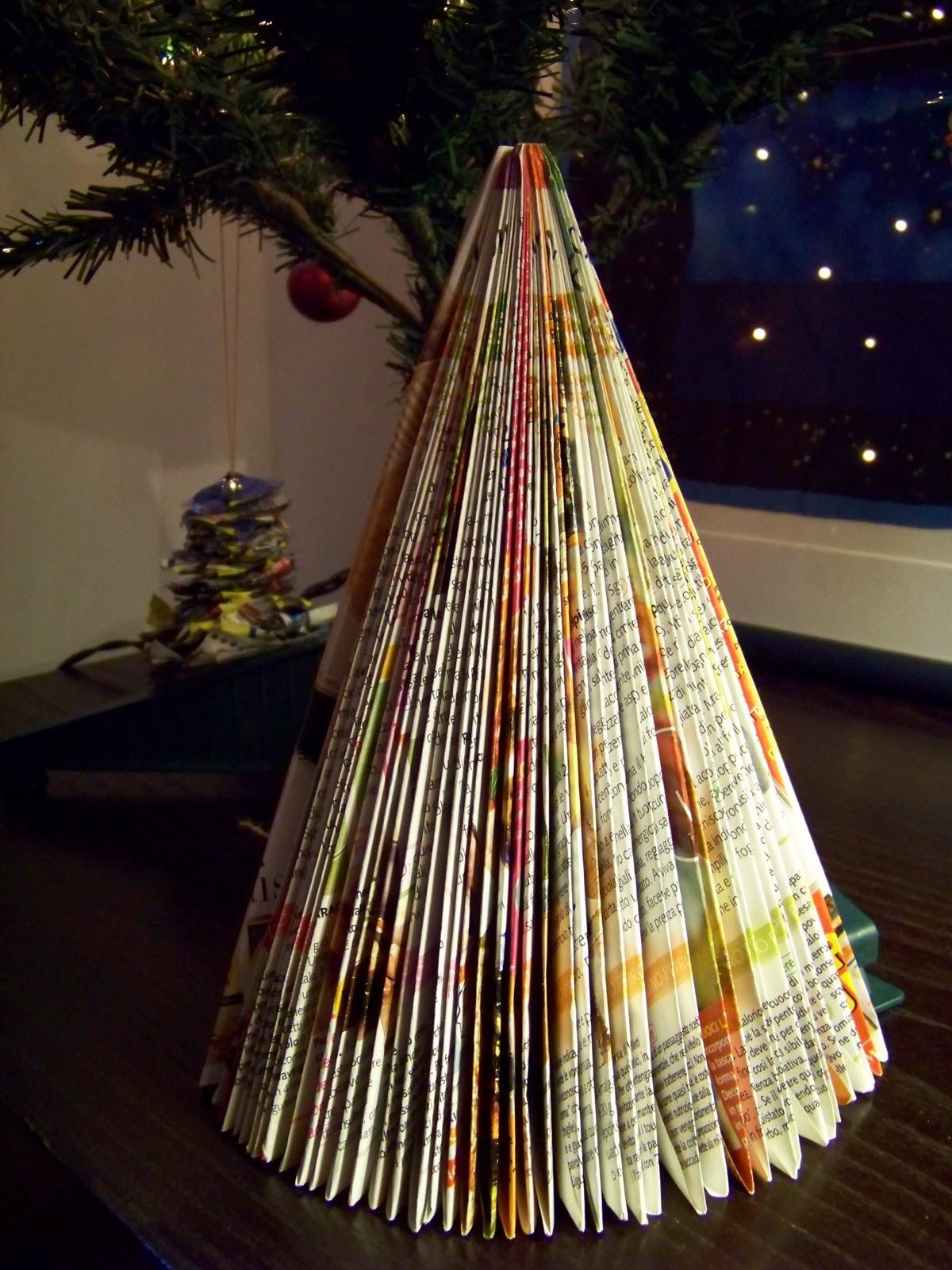 Lavoretti Di Natale 7 Anni.Mamma Giochiamo Lavoretto Di Natale Albero 3d Con Una Rivista Di