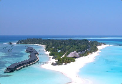Job Maldives Kuredu Island Resort
