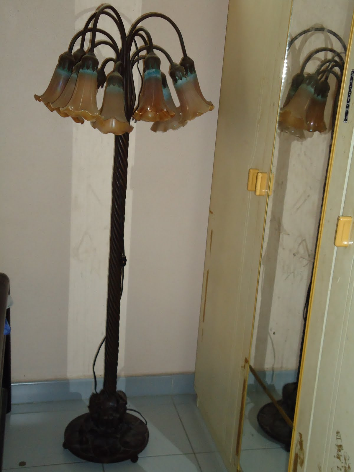Old Man S Antique Tiffany Lily Floor Lamp