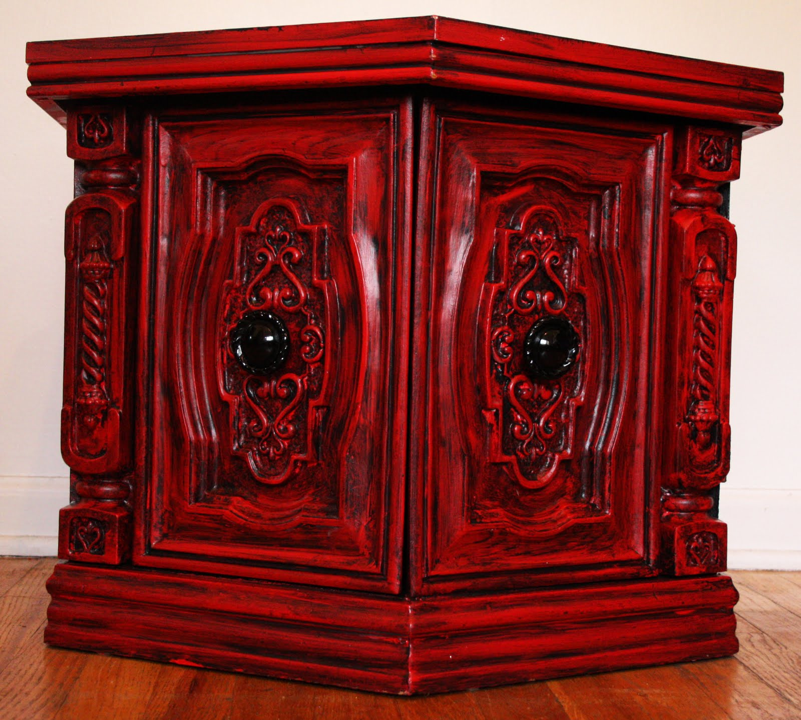 Surprising Modernly Shabby Chic Furniture Red And Black End Table Download Free Architecture Designs Lukepmadebymaigaardcom