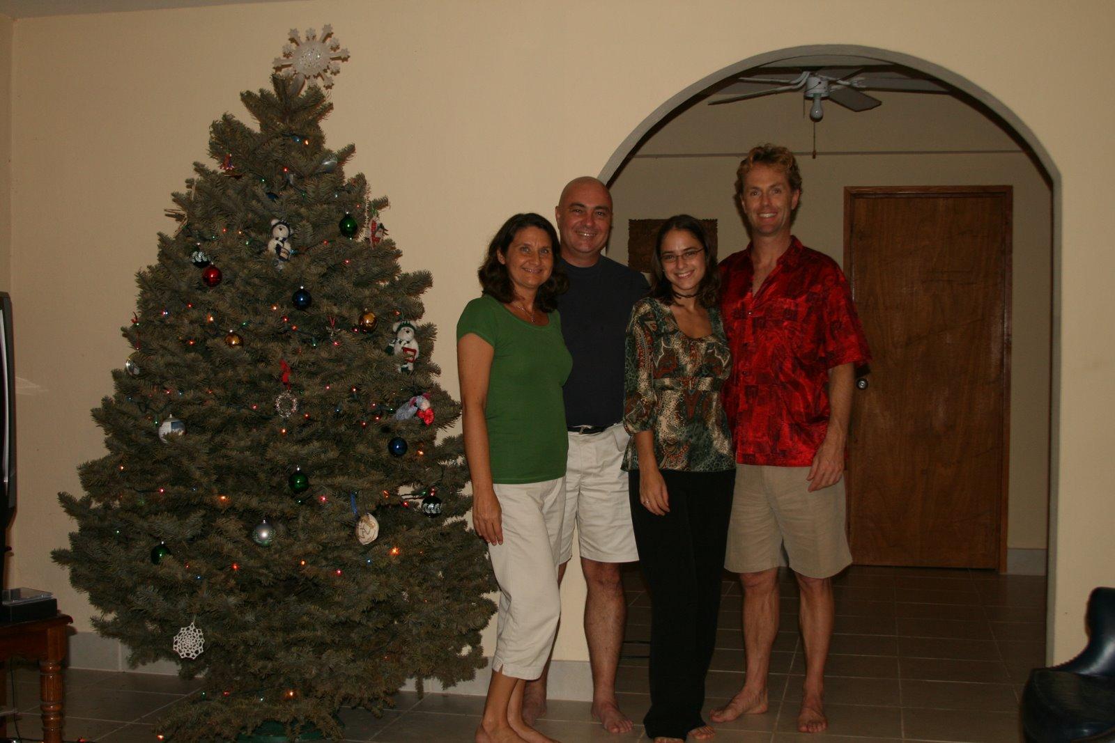[Kelli+Harry+Sarah+Chris+cmas2007]
