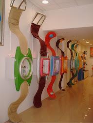 Relojes-aparadores de foam y fibra,cobre y escai