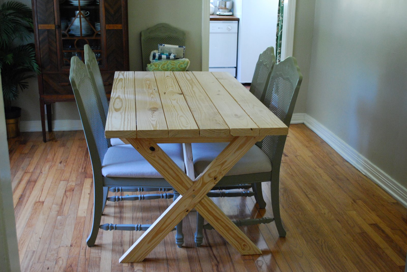 dining room picnic table   Ana White   Vanessa's X Picnic Table - DIY Projects