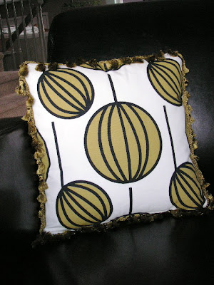 make a fabric scrap pillow