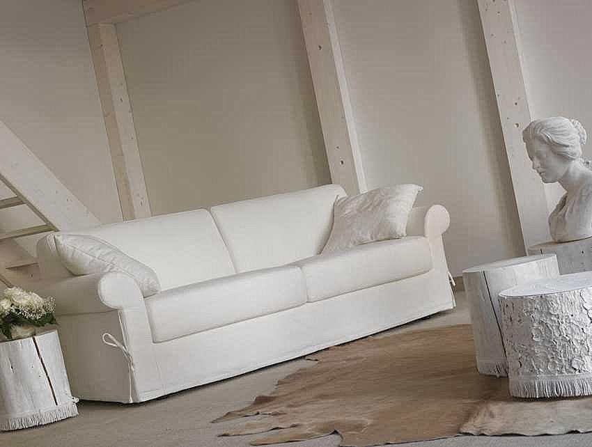 Divano letto classico divano letto divani letto for Divani a letto