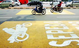 Poin-poin UU No. 22 Tahun 2009 yang Wajib Diketahui Pengendara Motor