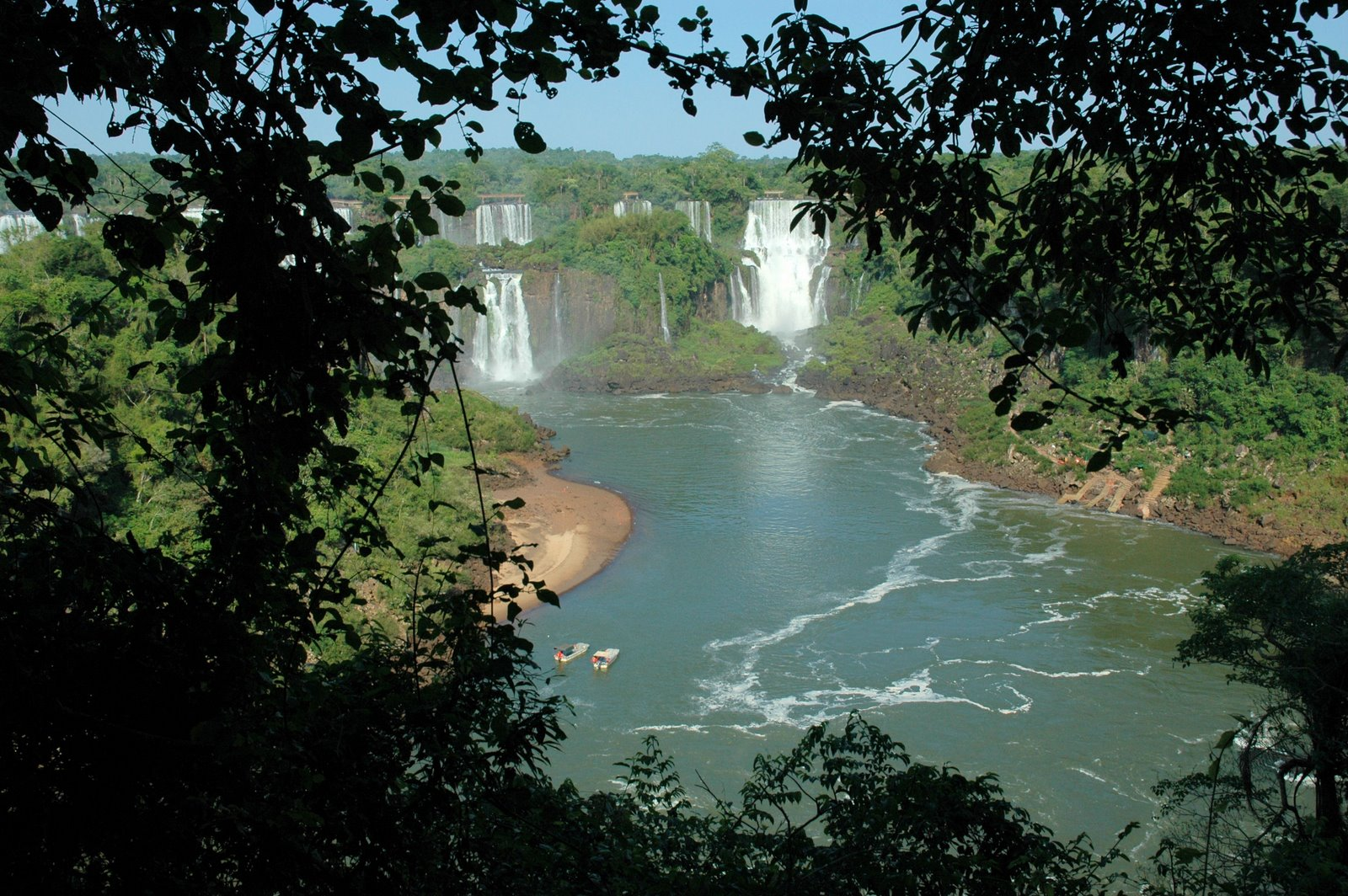 The Nomadic Pinoy: Parque Nacional do Iguacu, Brazil