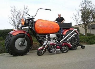 Curiosidades sobre Motos-http://1.bp.blogspot.com/_ax5ZIdFoW1U/SpYjqhqe6NI/AAAAAAAAQ7Y/P6lzqz8V-yg/s400/Auto-Moto-giant-wheels-03.jpg