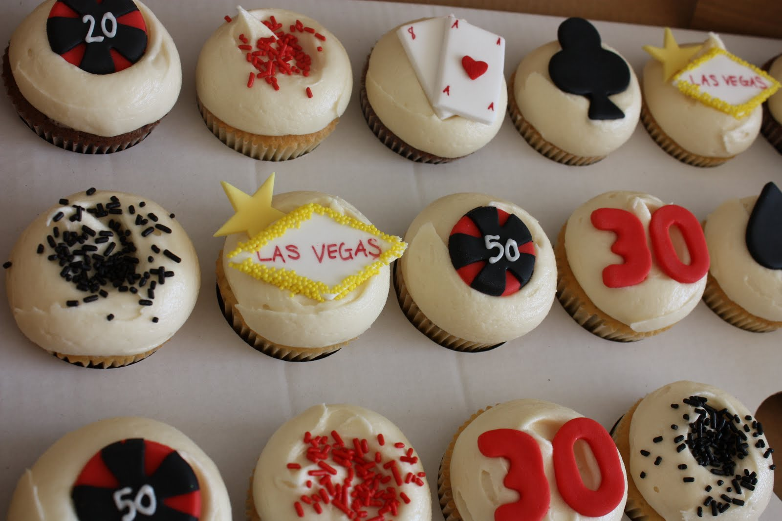 The Little House Of Cupcakes 30TH BIRTHDAY