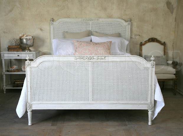 Full Bloom Cottage Layers Of Linen Ruffles & French Beds