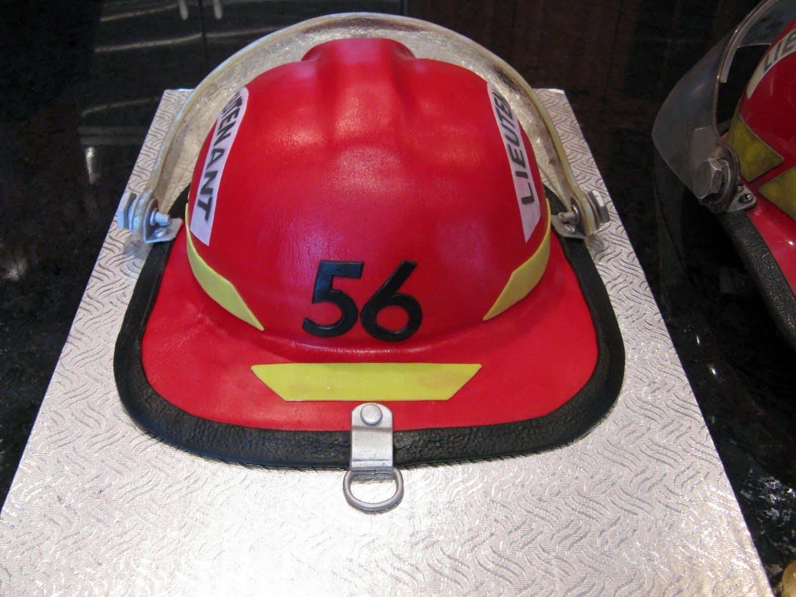 G 226 Teaux Design Gateau Casque De Pompier Firefighter S