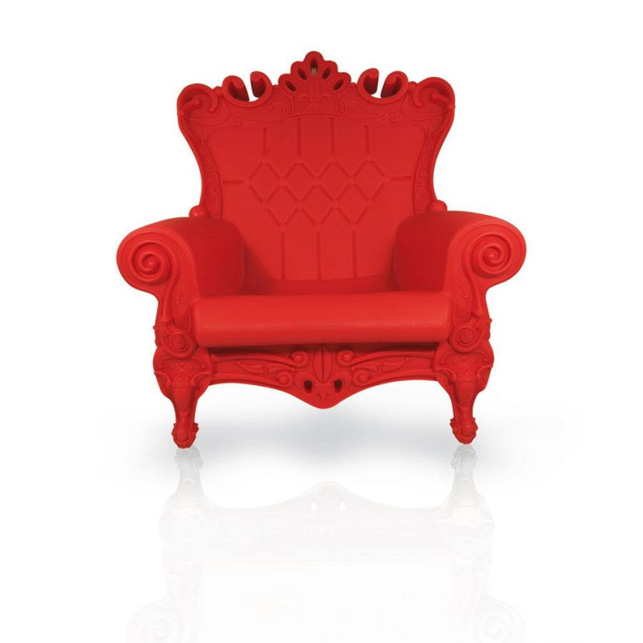 ultra modern red passion love seat   Denim Stilettos: Linvin - The Queen of Love Red Passion