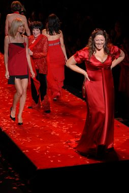 [The_Heart_Truth_Red_Dress_Finale_NYC_HJD+(12)+[425x380].JPG]