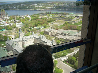 La ciudad fortificada de Québec vista desde el observatorio