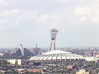 Estadio Olímpico, al Este de Montreal