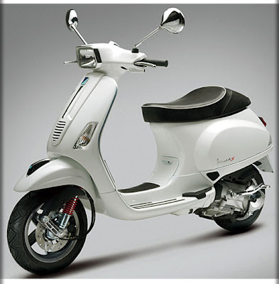 Honda Vespa on Vespa S   Honda Aero 50     Seperated At Birth    Thescooterscoop