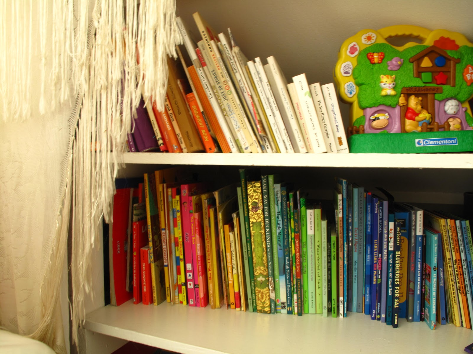 7 Inspiring Kid Room Color Options For Your Little Ones: 5 Unique Ways To Store Books In Your Home