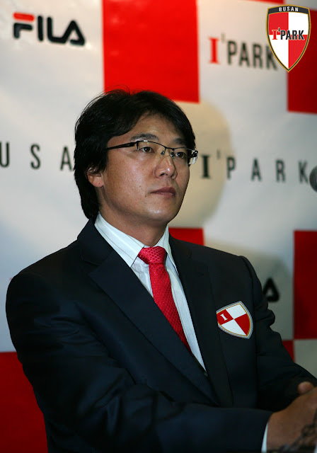 Busan boss Hwang Sun-hong.