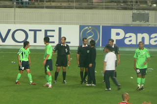Jeonbuk players complain at the end